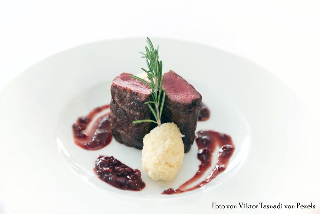 Edler Steakgenuss mit Taschenmesser