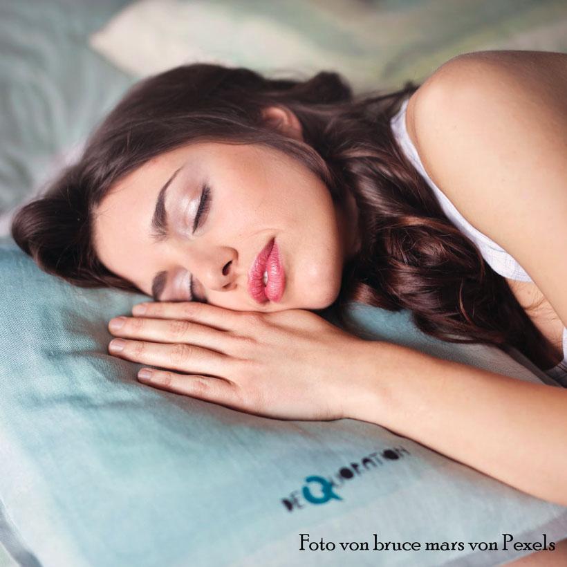 Schlafentzug hinterlässt Spuren an den Augen