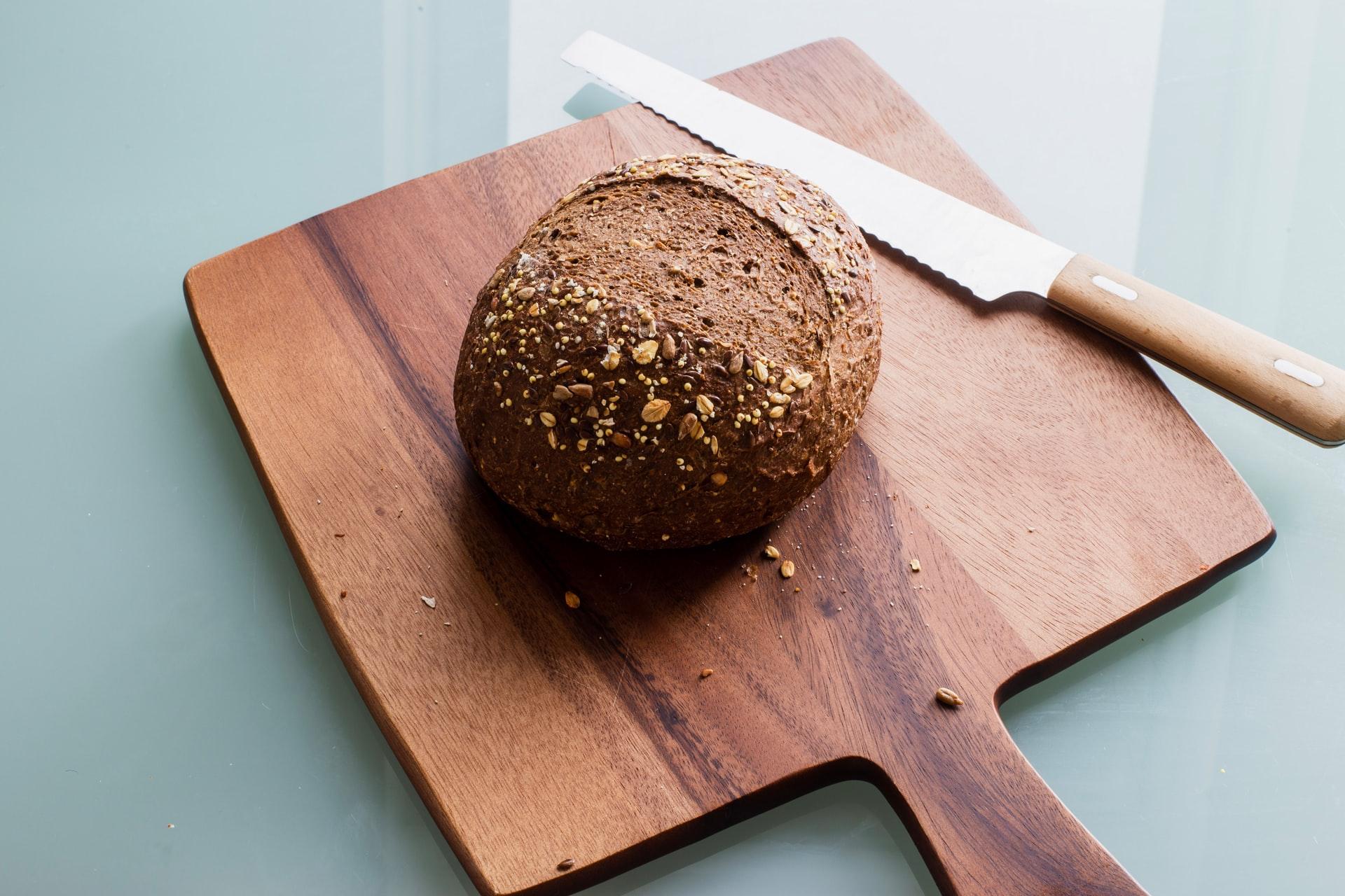 Leckeres Brot und hochwertige Brotmesser passen perfekt zusammen