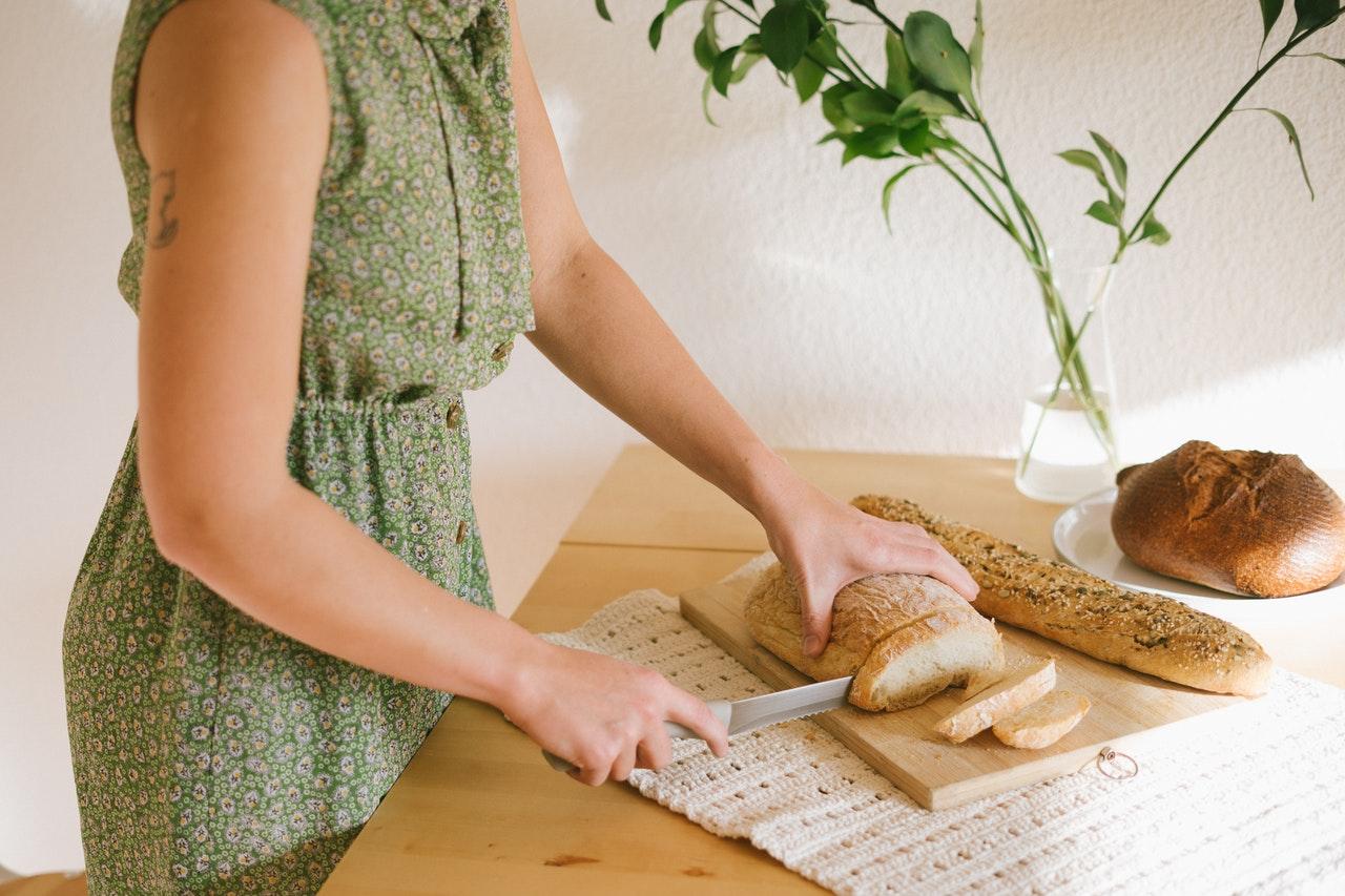 Weißbrot oder Schwarzbrot, das richtige Brotmesser schneidet alles